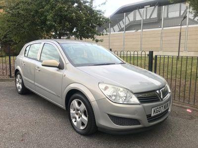 Vauxhall Astra Hatchback 1.6 i 16v Club 5dr