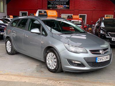 Vauxhall Astra Estate 1.7 CDTi ecoFLEX 16v Exclusiv (s/s) 5dr