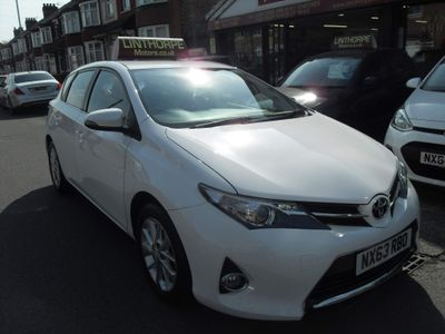Toyota Auris Hatchback 1.6 V-Matic Icon M-Drive S 5dr