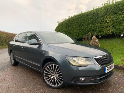 SKODA Superb Hatchback 2.0 TDI Laurin & Klement DSG 4x4 5dr