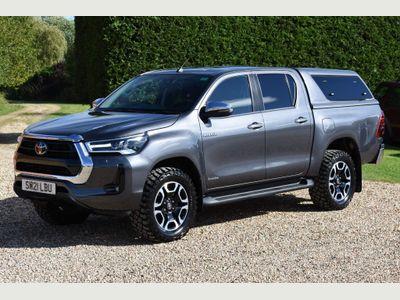 Toyota Hilux Pickup 2.8 D-4D Invincible Double Cab Pickup Auto 4WD EU6 (s/s) 4dr