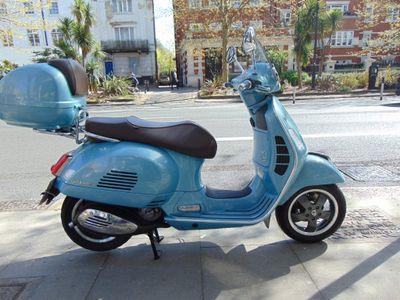 Piaggio Vespa GTS Scooter 300 300 70th Anniversary