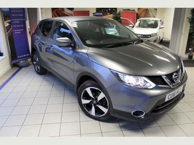 Nissan Qashqai SUV 1.6 dCi N-Connecta 4WD 5dr
