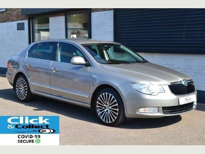 SKODA Superb Hatchback 2.0 TDI Laurin & Klement 4x4 5dr