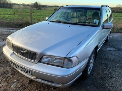 Volvo V70 Estate 2.4 XT 5dr