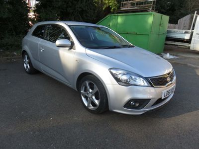 Kia ProCeed Hatchback 1.6 3 3dr