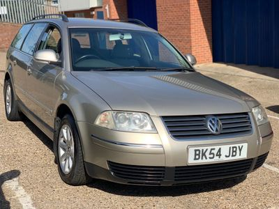 VOLKSWAGEN PASSAT Estate 1.9 TDI PD Highline 5dr