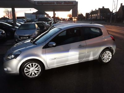 Renault Clio Hatchback 1.2 T 16v Dynamique 3dr (Tom Tom)