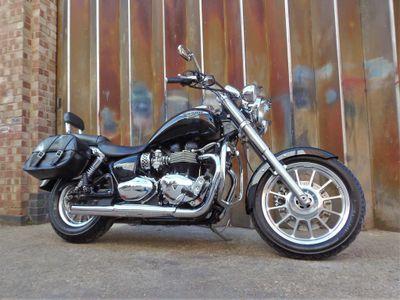 Triumph America Custom Cruiser 865