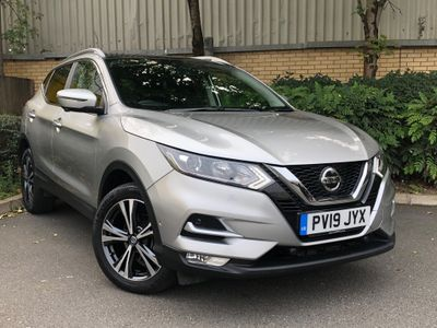 Nissan Qashqai SUV 1.3 DIG-T N-Connecta (s/s) 5dr
