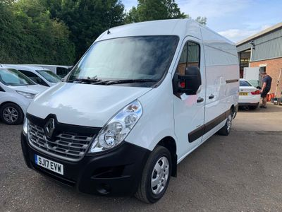 Renault Master Panel Van 2.3 dCi 33 Business+ FWD MWB Medium Roof EU6 5dr