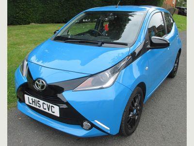 Toyota AYGO Hatchback 1.0 VVT-i x-cite x-shift 5dr EU5