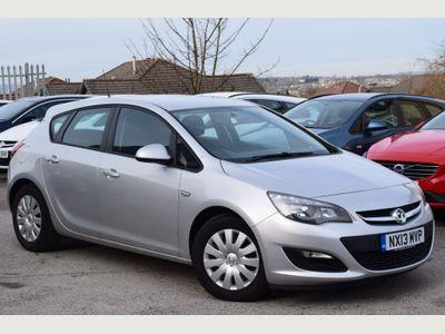 Vauxhall Astra Hatchback 1.7 CDTi ecoFLEX Exclusiv (s/s) 5dr