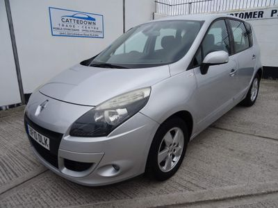 Renault Scenic MPV 1.9 dCi Dynamique TomTom 5dr