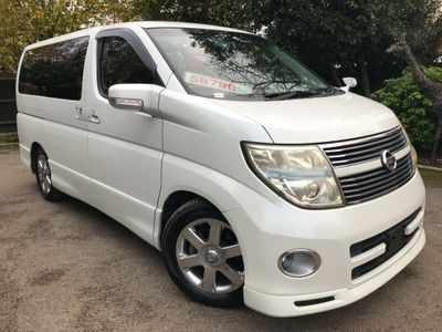 Nissan Elgrand MPV Highway Star 2.5 v6 Tiptronic 8 Seats
