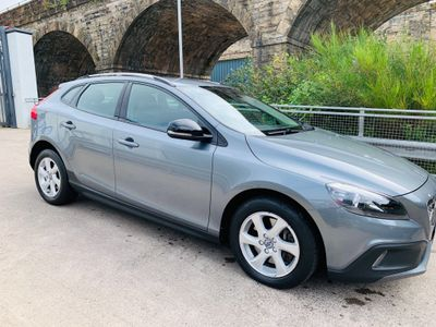 VOLVO V40 CROSS COUNTRY Hatchback 2.0 D2 SE Cross Country (s/s) 5dr