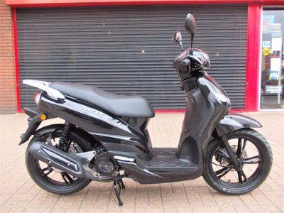 Peugeot Tweet Scooter 125 SBC