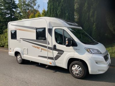 Swift Escape Compact C404 Coach Built 4 BERTH 4 BELTS DELIVERY POSSIBLE