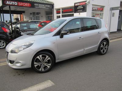 Renault Scenic MPV 1.5 dCi Dynamique TomTom (Bose Pack) EDC Auto 5dr