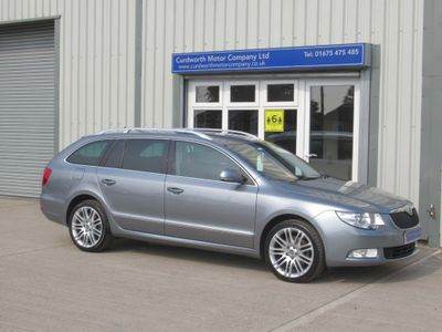 SKODA Superb Estate 2.0 TDI CR DPF Elegance DSG 5dr