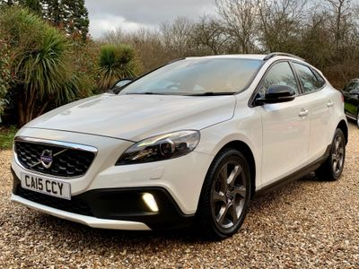 Volvo V40 Cross Country Hatchback 2.0 D2 Lux Cross Country Geartronic (s/s) 5dr