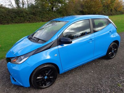 Toyota AYGO Hatchback 1.0 VVT-i x-cite x-shift 5dr EU5