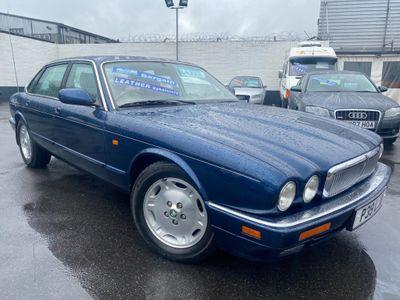 Jaguar XJ Saloon 3.2 Executive 4dr