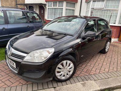 Vauxhall Astra Hatchback 1.8 i 16v Club 5dr
