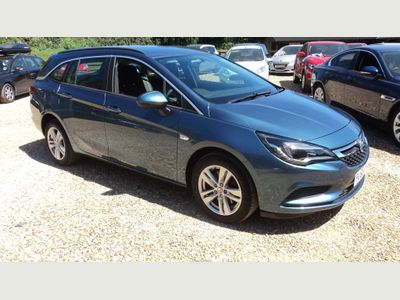 Vauxhall Astra Estate 1.6 CDTi Design Sports Tourer Auto 5dr