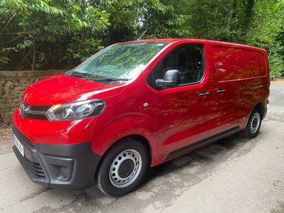 Toyota ProAce Panel Van 1.6D Medium Panel Van MWB EU6 (s/s) 6dr