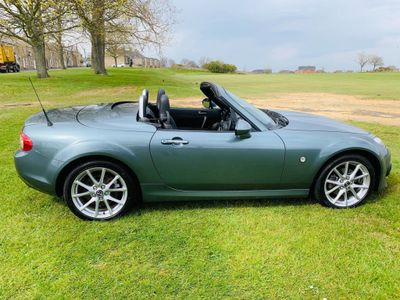 Mazda MX-5 Convertible 2.0i Sport Tech Roadster 2dr