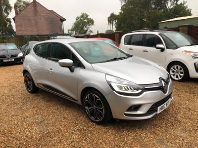 Renault Clio Hatchback 0.9 TCe Signature Nav (s/s) 5dr