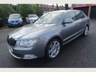 SKODA Superb Hatchback 2.0 TDI CR Elegance 4x4 5dr