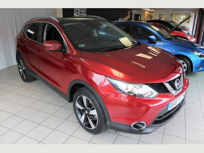 Nissan Qashqai SUV 1.6 DIG-T N-Connecta (Comfort Pack) 5dr