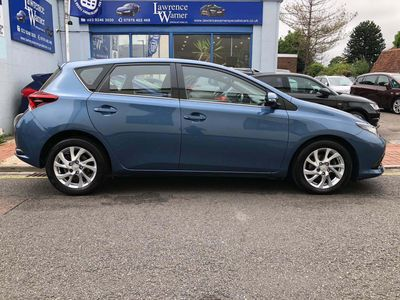 Toyota Auris Hatchback 1.2 VVT-i Business Edition CVT (s/s) 5dr (Safety Sense)