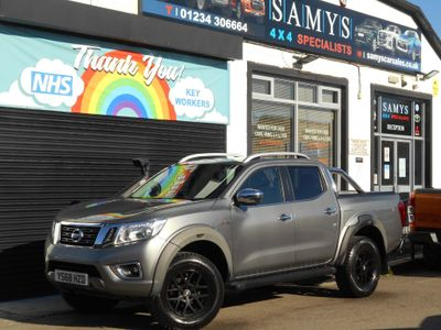 Nissan Navara Pickup 2.3 dCi Off-Roader AT32 Double Cab Pickup Auto 4WD 4dr