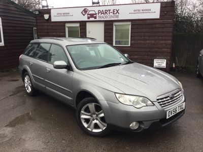 Subaru Outback Estate 2.5 SEn 5dr (Nav, leather)