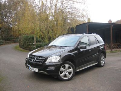 Mercedes-Benz M Class SUV 3.0 ML350 CDI BlueEFFICIENCY SE 5dr