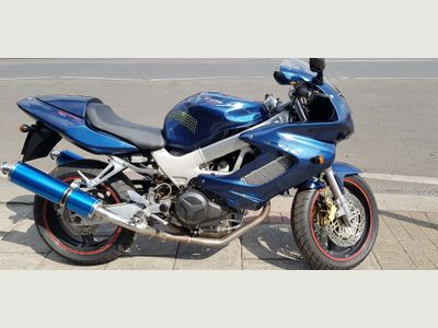 Honda VTR1000 Sports Tourer 1000 Firestorm Y