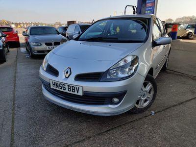 Renault Clio Hatchback 1.4 16v Dynamique 5dr