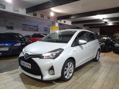 Toyota Yaris Hatchback 1.5 VVT-h Sport E-CVT 5dr