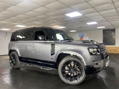 Land Rover Defender 110 SUV 2.0 P300 X-Dynamic SE Auto 4WD (s/s) 5dr