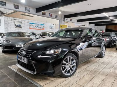 Lexus IS 300 Saloon 2.5 Executive Edition E-CVT (s/s) 4dr