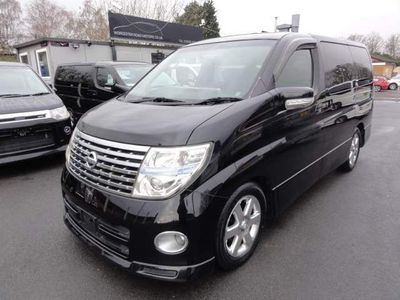 Nissan Elgrand MPV HIGHWAY STAR SUN ROOFS UK SAT NAV DVD