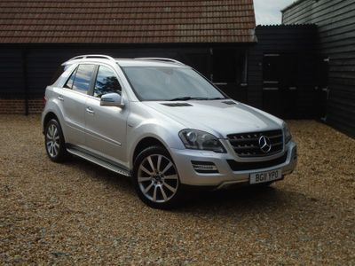 Mercedes-Benz M Class SUV 3.0 ML300 CDI BlueEFFICIENCY Grand 5dr