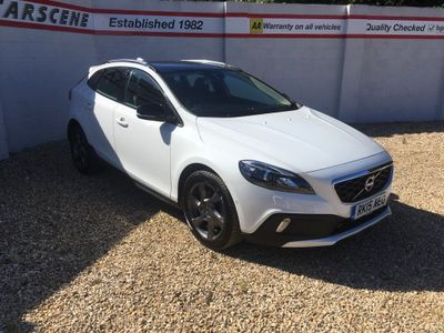 Volvo V40 Cross Country Hatchback 1.6 T4 Lux Nav Cross Country (s/s) 5dr