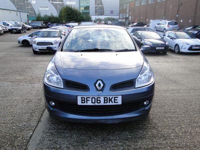 Renault Clio Hatchback 1.6 VVT Privilege 5dr