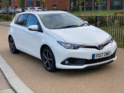 Toyota Auris Hatchback 1.2 VVT-i Design (s/s) 5dr (Safety Sense)