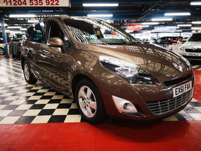 Renault Grand Scenic MPV 1.6 VVT Dynamique TomTom 5dr