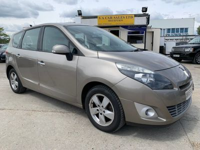 Renault Grand Scenic MPV 1.9 dCi Dynamique 5dr